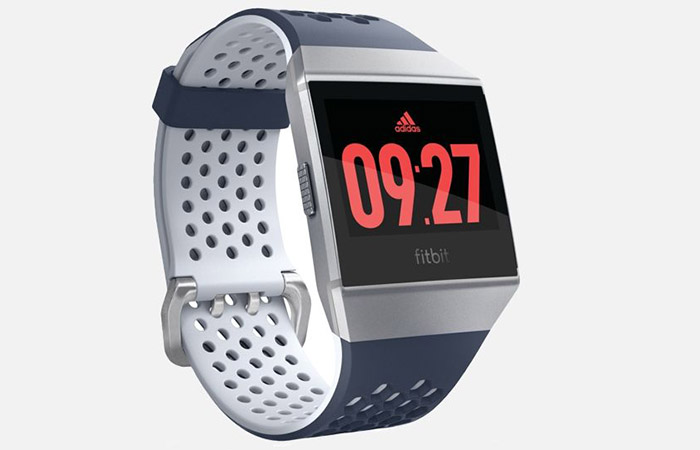 fitbit_ionic_adidas_700