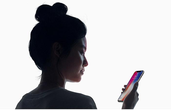 애플 아이폰 X의 부품 가격은 412.75달러로 추정