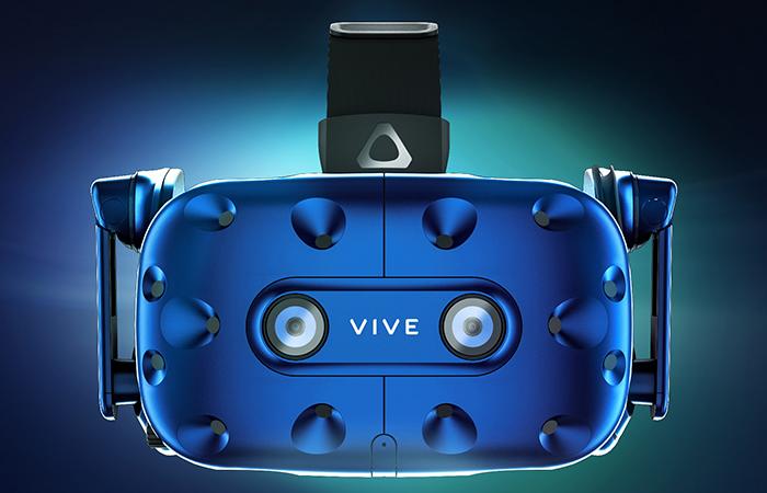 새로운 VR 헤드셋 '바이브 프로' 공개한 HTC